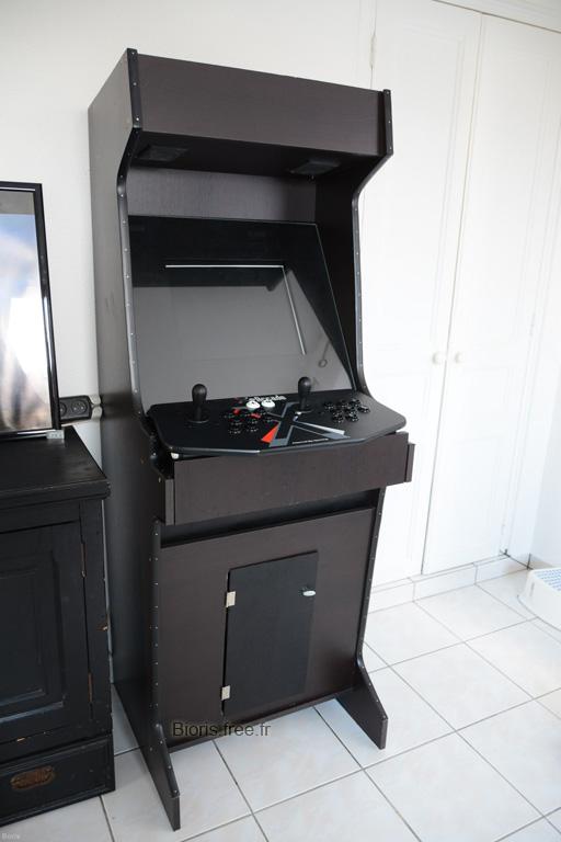 http://bioris.free.fr/borne-arcade/borne-arcade-maison-mame-neogeo-jeu-de-bar.jpg